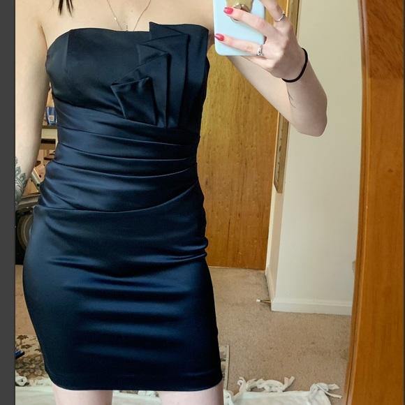 Cache Dresses & Skirts - CACHE satin strapless dress